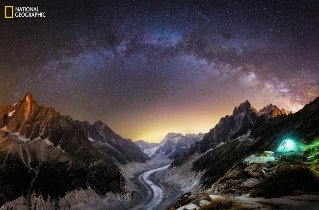 Những bức ảnh đẹp ngỡ ngàng về thế giới tự nhiên trong cuộc thi của Tạp chí National Geographic - Ảnh 3.