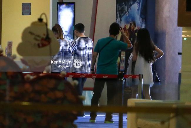 Bắt gặp Hari Won - Trấn Thành diện đồ đôi, vô tư âu yếm nhau ở rạp chiếu phim - Ảnh 10.