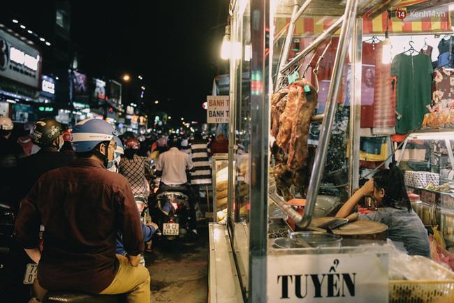 Phát điên, ngộp thở vì cảnh giờ nào cũng kẹt xe, chỗ nào cũng kẹt xe ở Sài Gòn - Ảnh 11.