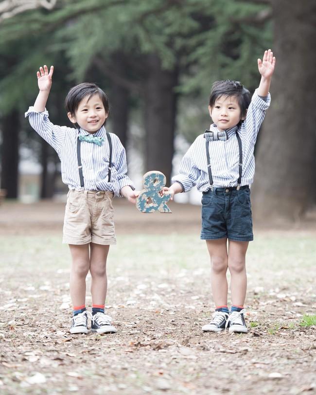Hai anh em sinh đôi chỉ mới 5 tuổi này đang làm mưa làm gió Instagram vì quá dễ thương! - Ảnh 15.
