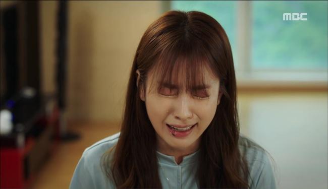 """""""W"""": Từ cuộc đời vạn người mê, Lee Jong Suk và Han Hyo Joo giờ đây không khác gì ăn mày - Ảnh 16."""
