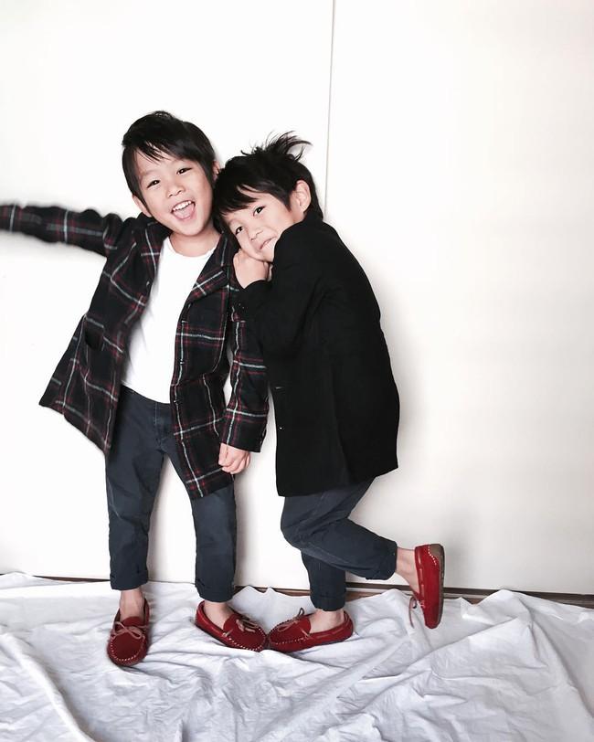 Hai anh em sinh đôi chỉ mới 5 tuổi này đang làm mưa làm gió Instagram vì quá dễ thương! - Ảnh 18.