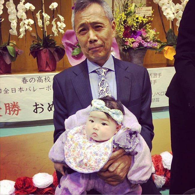 Cô bé Nhật mũm mĩm vừa ngủ vừa ăn khiến dân mạng xuýt xoa vì quá đáng yêu - Ảnh 14.