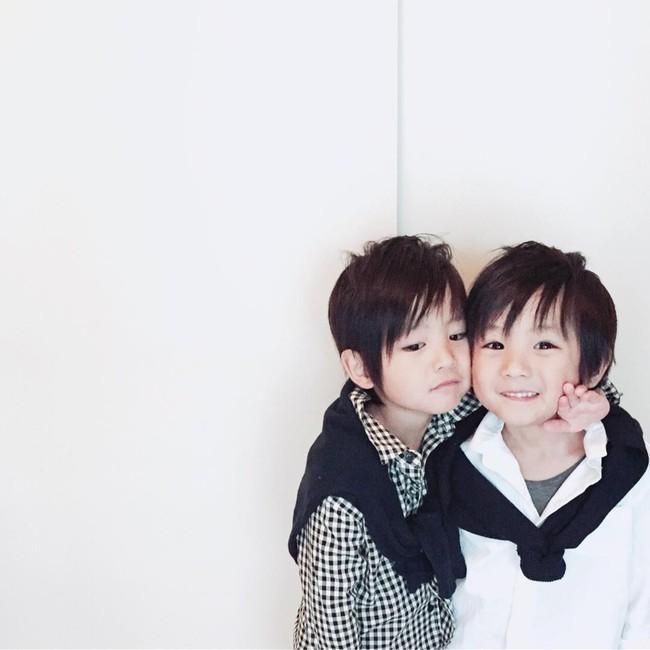 Hai anh em sinh đôi chỉ mới 5 tuổi này đang làm mưa làm gió Instagram vì quá dễ thương! - Ảnh 22.