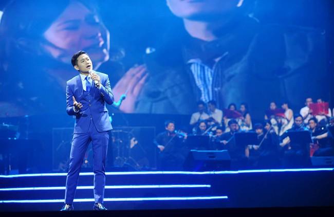 Khán giả xúc động khi trở lại thời Làn sóng xanh trong liveshow nhạc sĩ Việt Anh - Ảnh 15.