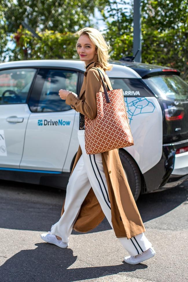 Chiếc quần Zara này đang được các fashionista thế giới thi nhau diện và nó có bán tại store Zara Việt Nam - Ảnh 13.