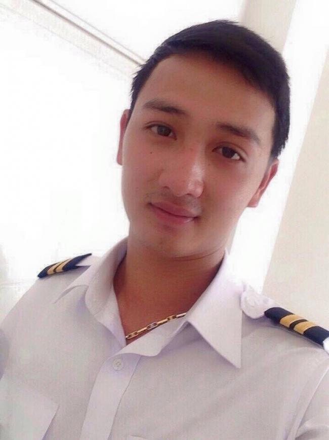 Trong số 3 phi công tử nạn, có 2 chiến sĩ mới chỉ ở độ tuổi 25... - ảnh 4