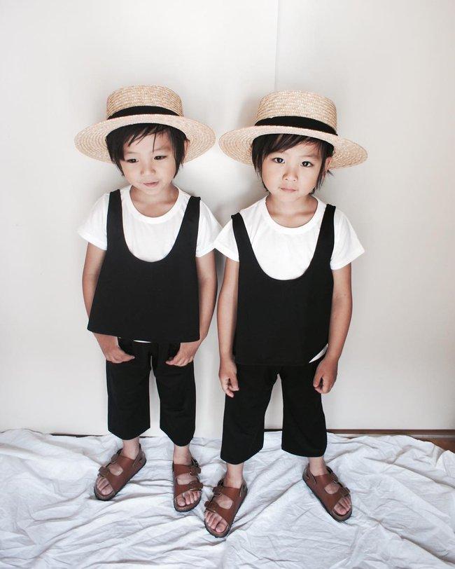 Hai anh em sinh đôi chỉ mới 5 tuổi này đang làm mưa làm gió Instagram vì quá dễ thương! - Ảnh 13.