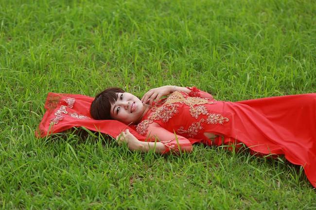 Khi cộng đồng photoshop chung tay đem hồ sen đến với 2 cô gái ung thư máu ở Hà Nội - Ảnh 6.