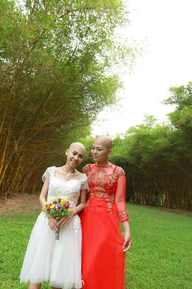Khi cộng đồng photoshop chung tay đem hồ sen đến với 2 cô gái ung thư máu ở Hà Nội - Ảnh 3.