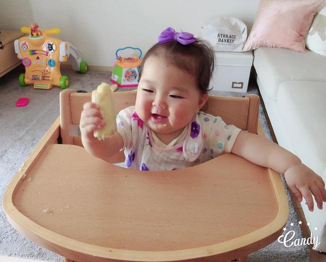 Cô bé Nhật mũm mĩm vừa ngủ vừa ăn khiến dân mạng xuýt xoa vì quá đáng yêu - Ảnh 9.