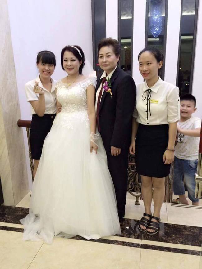 Đám cưới đồng tính đầu tiên của cặp đôi U50 ở Cẩm Phả - giới tính không thể là rào cản, tuổi tác càng không - Ảnh 8.