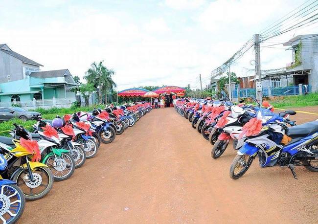 Đẹp mắt với dàn rước dâu với 90 xe Yamaha Exciter tại Bình Phước - Ảnh 3.