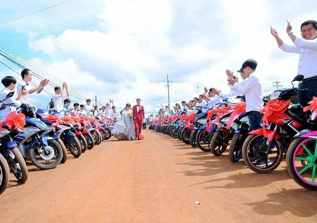 Đẹp mắt với dàn rước dâu với 90 xe Yamaha Exciter tại Bình Phước - Ảnh 4.