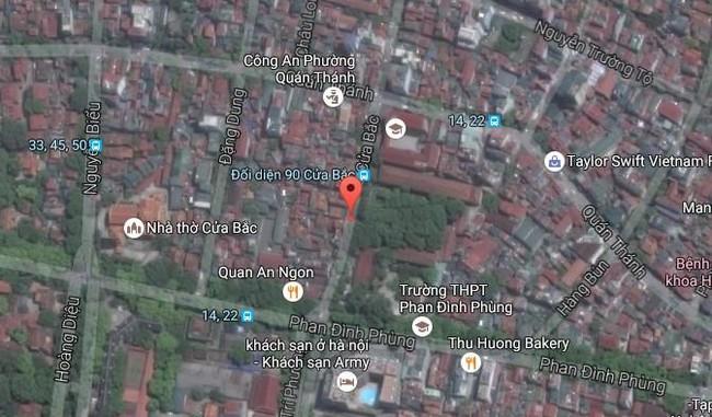 Hà Nội: Sập nhà 4 tầng giữa phố Cửa Bắc, đang giải cứu những người mắc kẹt - Ảnh 25.