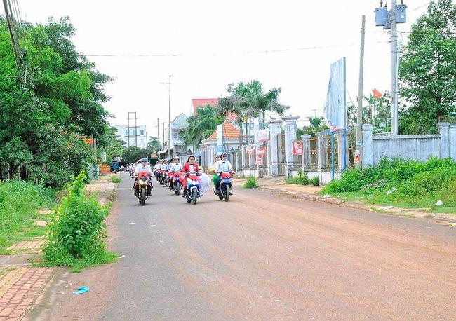Đẹp mắt với dàn rước dâu với 90 xe Yamaha Exciter tại Bình Phước - Ảnh 7.