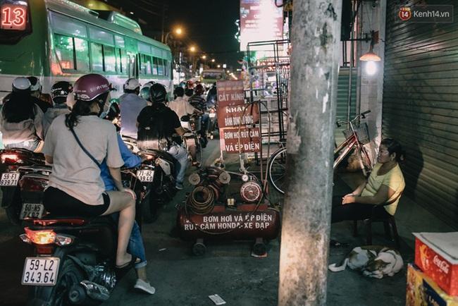 Phát điên, ngộp thở vì cảnh giờ nào cũng kẹt xe, chỗ nào cũng kẹt xe ở Sài Gòn - Ảnh 13.
