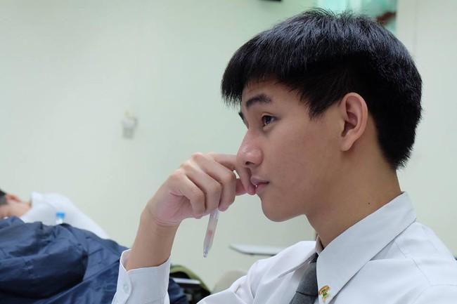 Dược sĩ đẹp trai nhất Thái Lan đây rồi! - Ảnh 6.