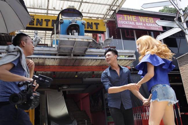 Bất ngờ bị tuýt còi dù chưa ra mắt, Hương Giang Idol tháo mác 18+ cho MV mới - Ảnh 6.