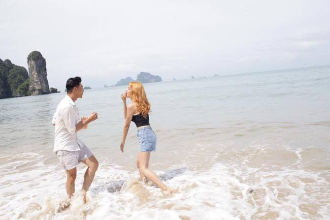 Bất ngờ bị tuýt còi dù chưa ra mắt, Hương Giang Idol tháo mác 18+ cho MV mới - Ảnh 8.