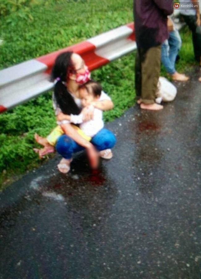 Hà Nội: Xe khách lật trên cao tốc Pháp Vân - Cầu Giẽ, 11 người thương vong - Ảnh 4.