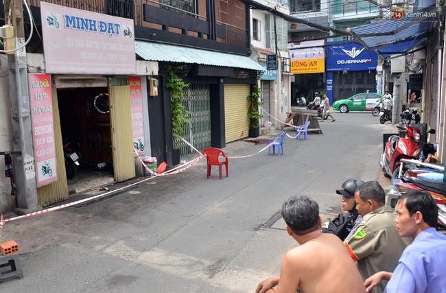 Người thợ sửa xe bị đâm nhiều nhát dao giữa khuya ở Sài Gòn