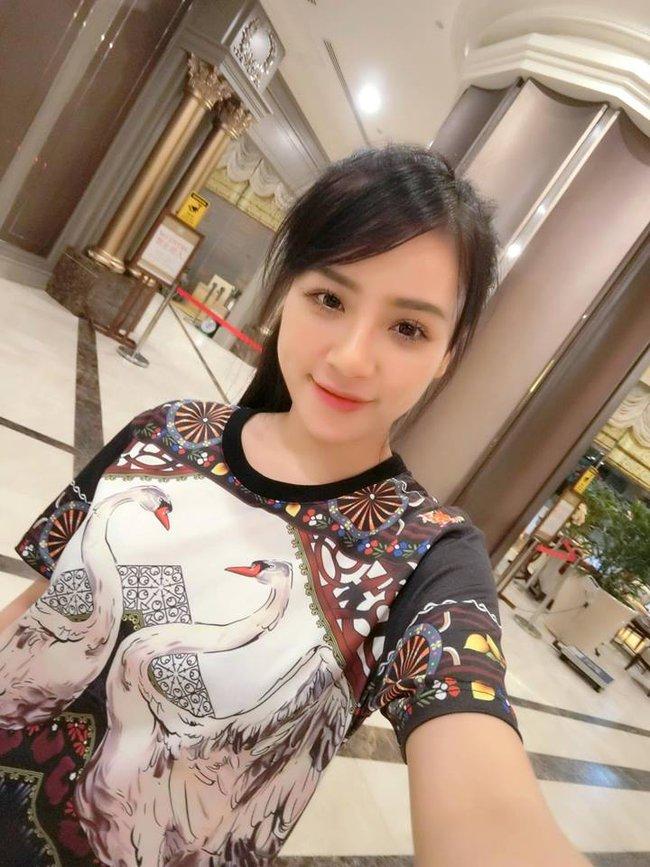 Cô gái Việt vô danh bỗng được cư dân mạng Trung Quốc săn lùng vì... quá xinh - Ảnh 13.