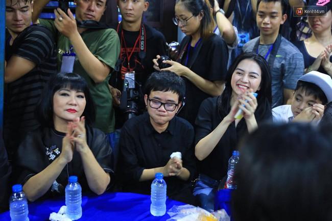 Bố bật khóc khi ca khúc Nỗi đau ngọt ngào của Minh Thuận vang lên - Ảnh 8.