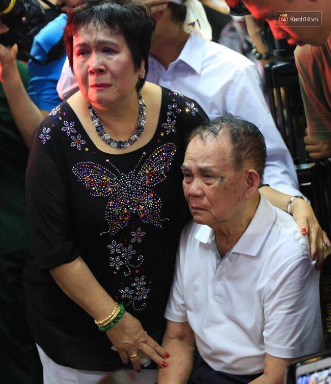 Bố bật khóc khi ca khúc Nỗi đau ngọt ngào của Minh Thuận vang lên - Ảnh 13.