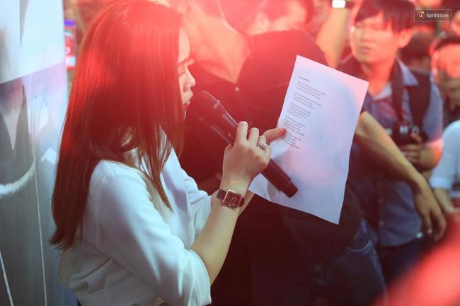 Dưới cơn mưa, anh em đồng nghiệp đang cùng hát những ca khúc vang danh, Minh Thuận ơi, anh mỉm cười chào tạm biệt nhé! - Ảnh 26.