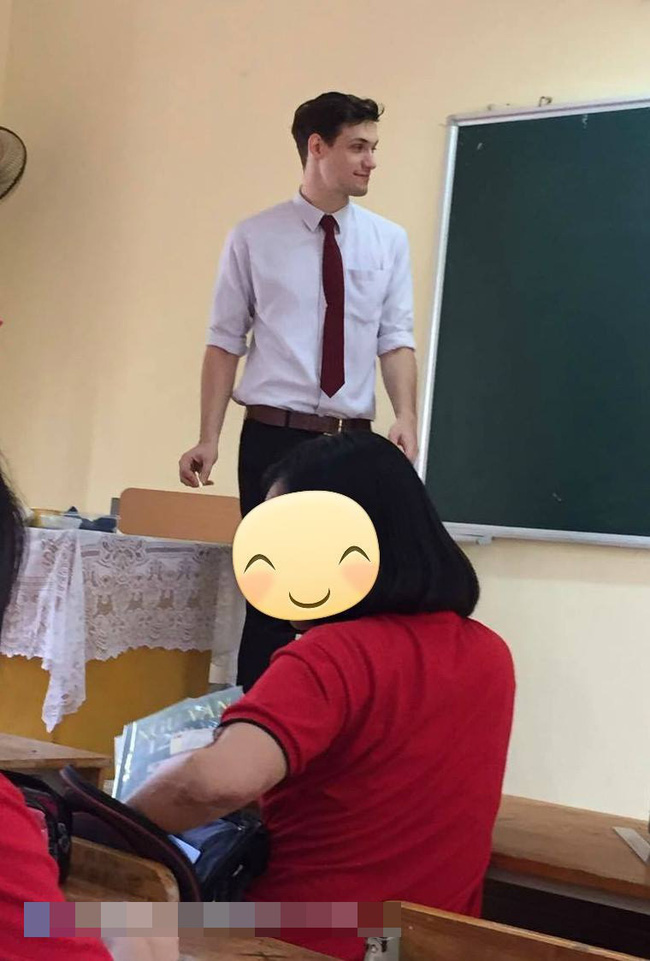 Thêm một thầy giáo Tây khiến HS xuýt xoa: Thế này thì học cả đời em cũng chịu! - Ảnh 3.