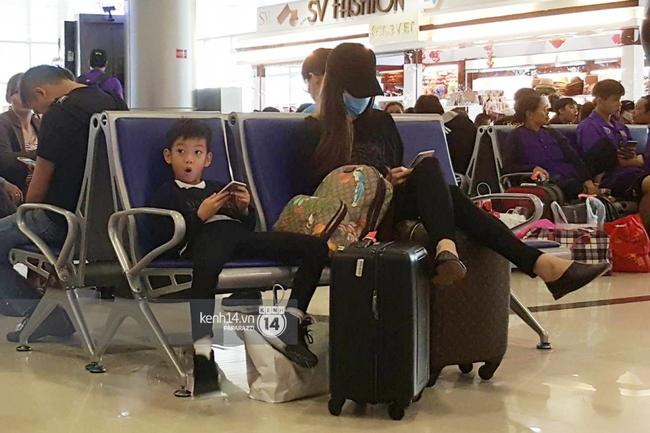 Hồ Ngọc Hà hủy show, đưa Su Beo về quê Quảng Bình cứu trợ đồng bào chịu thiên tai - Ảnh 4.
