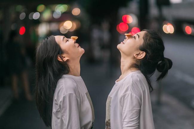 Bộ ảnh tình yêu của hai cô gái Thái Lan sẽ khiến bạn tan chảy vì quá dễ thương! - Ảnh 14.