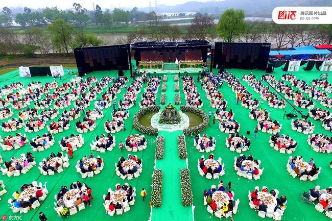 Những đám cưới toàn vàng ròng ở Trung Quốc luôn khiến người ta phải choáng ngợp - ảnh 13