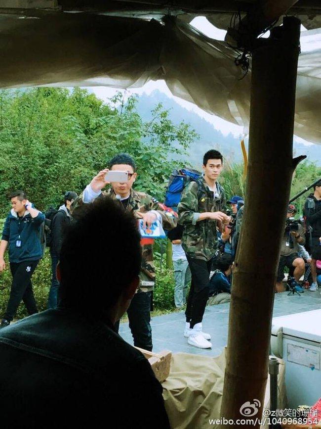 Rộ hình ảnh Lâm Chí Dĩnh, Quách Phú Thành cùng dàn sao nam đình đám Cbiz có mặt tại Cao Bằng, Việt Nam - Ảnh 12.