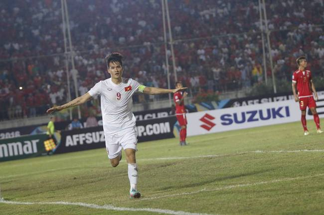 Công Vinh: Hãy khen cả đội tuyển Việt Nam, đừng khen cá nhân tôi - Ảnh 1.
