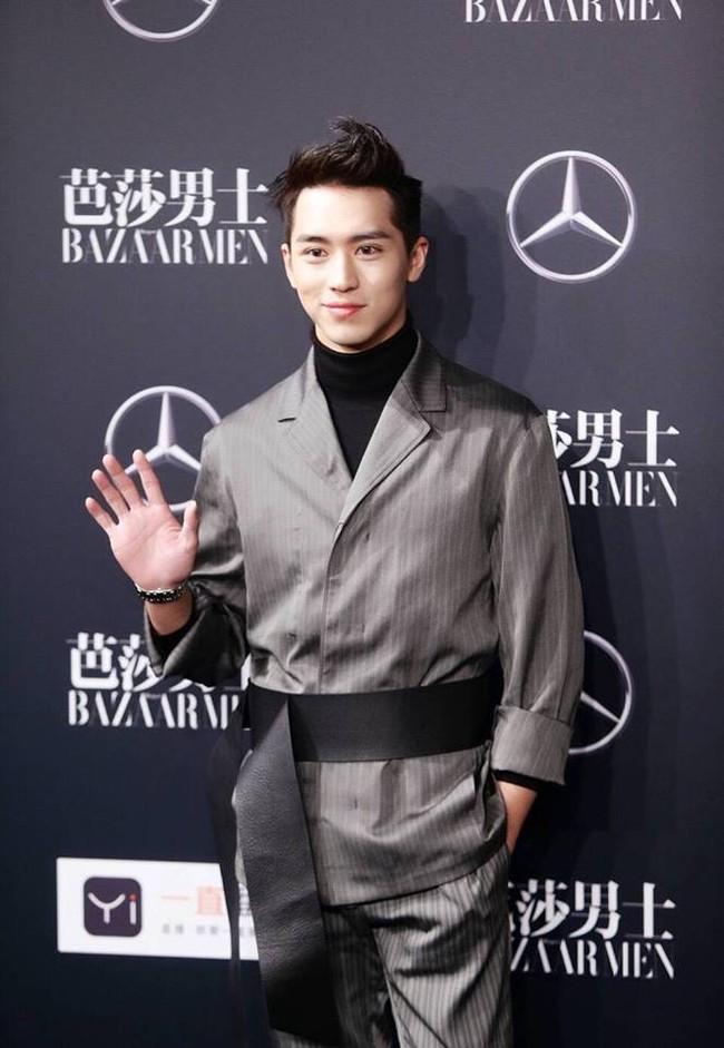 Thảm đỏ Man Of The Year: Lý Dịch Phong trẻ trung, đọ nhan sắc cùng Hứa Nguỵ Châu và dàn mỹ nam đình đám - ảnh 2