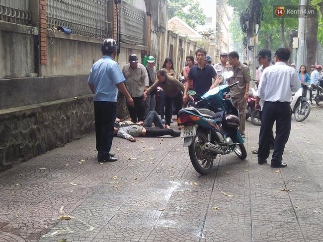 Nam thanh niên dùng dao đâm bạn gái rồi tự sát ở trung tâm Sài Gòn - Ảnh 4.
