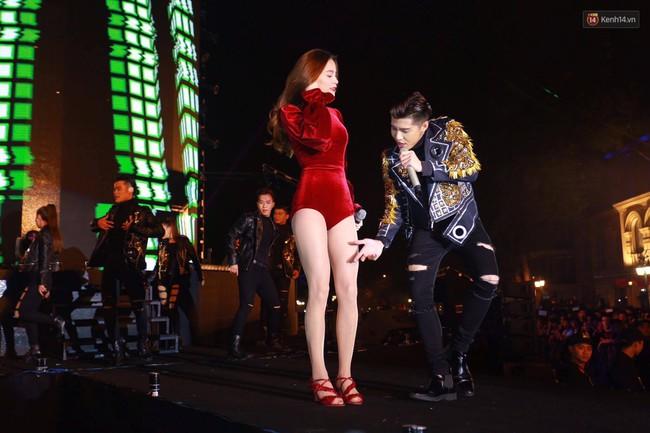 Hồ Ngọc Hà, Noo Phước Thịnh đốt cháy sân khấu Hà Nội ngày cuối năm - Ảnh 3.