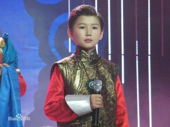 Chuyện ít người biết của cậu bé Mông Cổ hát về mẹ từng khiến hàng triệu người bật khóc - Ảnh 11.
