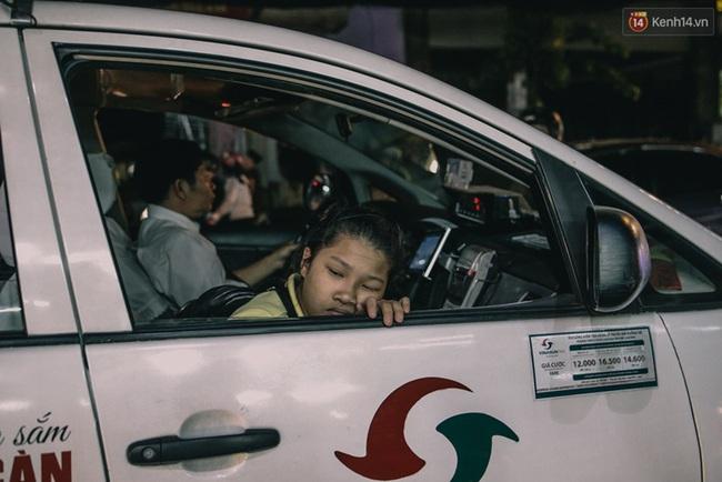 Phát điên, ngộp thở vì cảnh giờ nào cũng kẹt xe, chỗ nào cũng kẹt xe ở Sài Gòn - Ảnh 15.