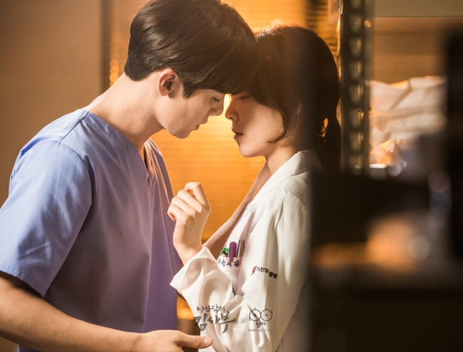 Romantic Doctor, Teacher Kim - Ngành Y lại tỏa sức hấp dẫn trên màn ảnh nhỏ Hàn dịp cuối năm - Ảnh 18.