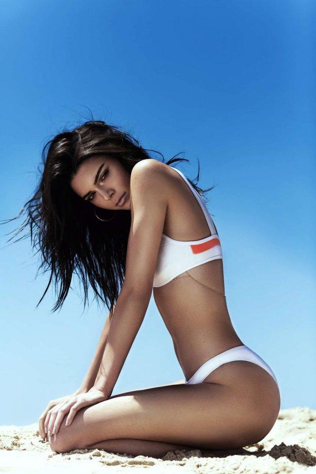 Bỏng mắt với thời trang bikini của ba chị em Kim, Kylie và Kendall - Ảnh 16.