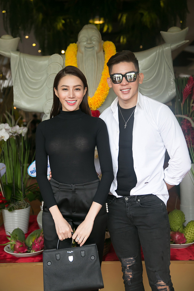 Dàn sao Việt sặc sỡ váy áo, thân thiết cùng nhau trong sự kiện - Ảnh 10.