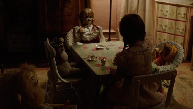 Lạnh người với trailer đầu tiên của Búp bê ma Annabelle 2 - Ảnh 3.