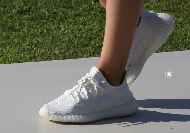 Giới trẻ mê sneaker lại rần rần vì Yeezy Boost 350 V2 sẽ chính thức được bán tại Việt Nam vào 24/9 tới - Ảnh 4.