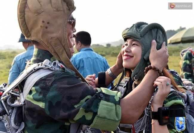 Màn cầu hôn của chàng bác sĩ Hà Nội và nữ giảng viên ĐH Kiến Trúc trước khi nhảy dù - Ảnh 3.