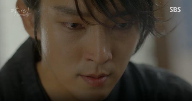 """Moon Lovers: """"Mười"""" Baekhyun chính thức có nụ hôn màn ảnh đầu tiên! - Ảnh 8."""