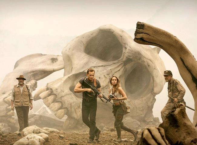 Bom tấn Kong: Skull Island tiết lộ tạo hình đầy phẫn nộ của King Kong - Ảnh 2.