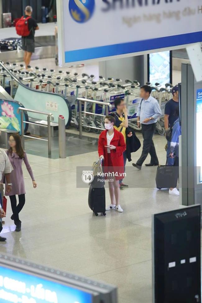 Ngọc Trinh gặp rắc rối với hành lý khi vừa về tới Việt Nam - Ảnh 7.